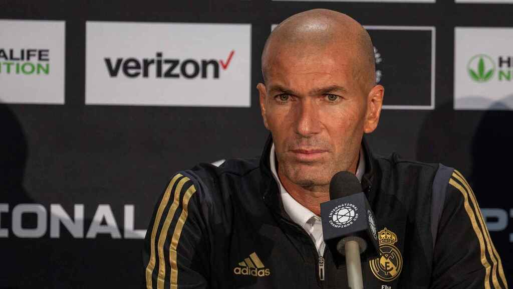 Zinedine Zidane, en rueda de prensa con el Real Madrid