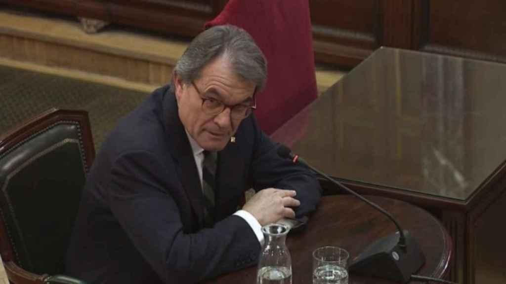 Artur Mas, durante su declaración como testigo en el juicio del 'procés'.
