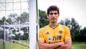 Jesús Vallejo, en el Wolverhampton. Foto: wolves.co.uk