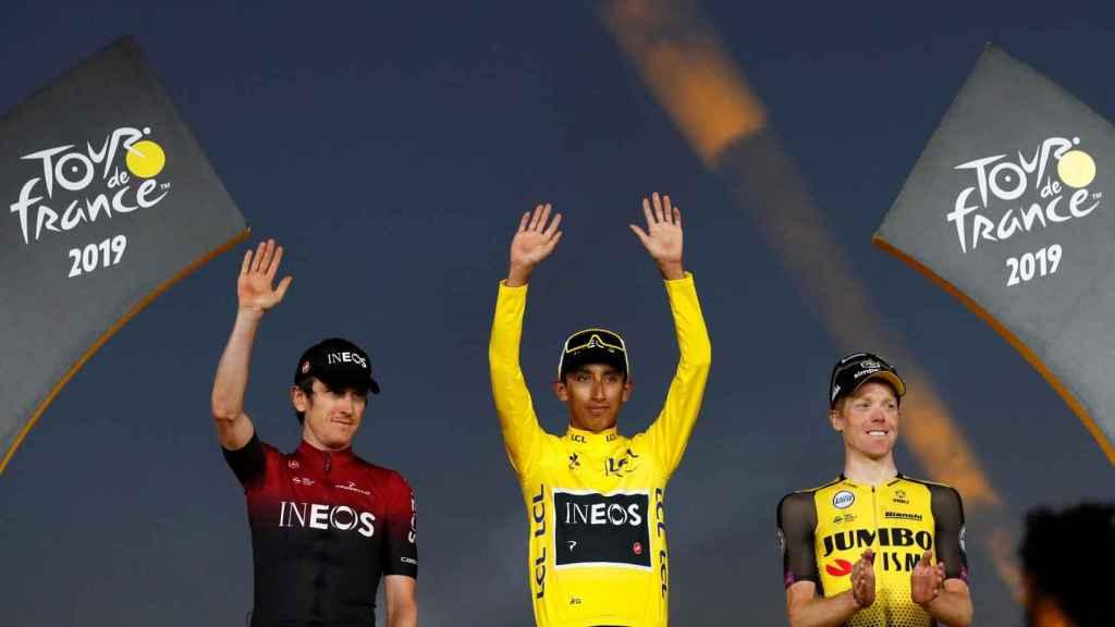 Bernal, en el podio de París tras ganar el Tour de Francia 2019.