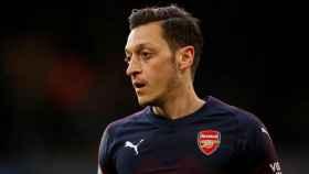 Mesut Özil, en un partido con el Arsenal
