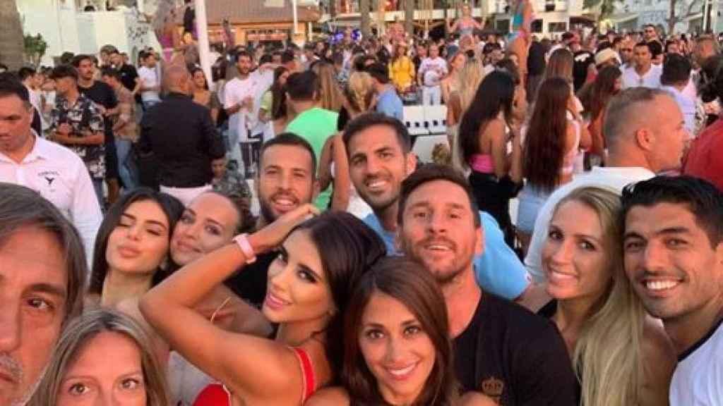 Los jugadores del Barcelona en Ibiza. Foto: Instagram (@daniellasemaan)