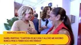 Mila Ximénez e Isabel Pantoja se funden en un abrazo en los pasillos de Telecinco