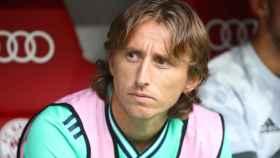 Luka Modric en el banquillo del Allianz Arena