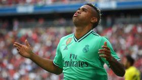 Mariano celebra su gol al Fenerbahce