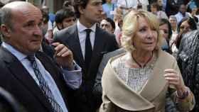 Esperanza Aguirre junto al exgerente del PP de Madrid, Beltrán Gutierrez./
