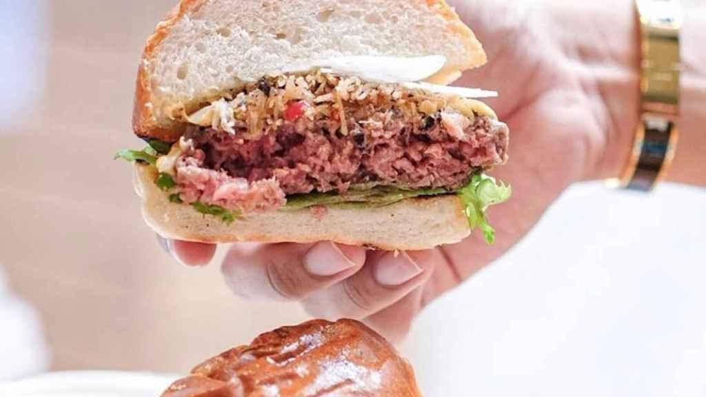 Impossible Foods venderá sus hamburguesas veganas 'con sangre' en el súper