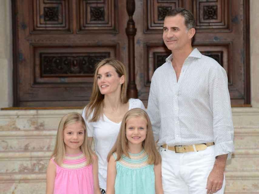 En 2014 los reyes recuperaron el posado frente a su residencia de verano en Mallorca.
