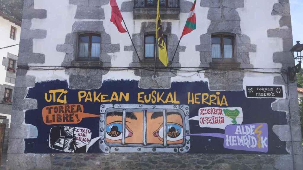 Pintadas en favor de los presos en Leiza