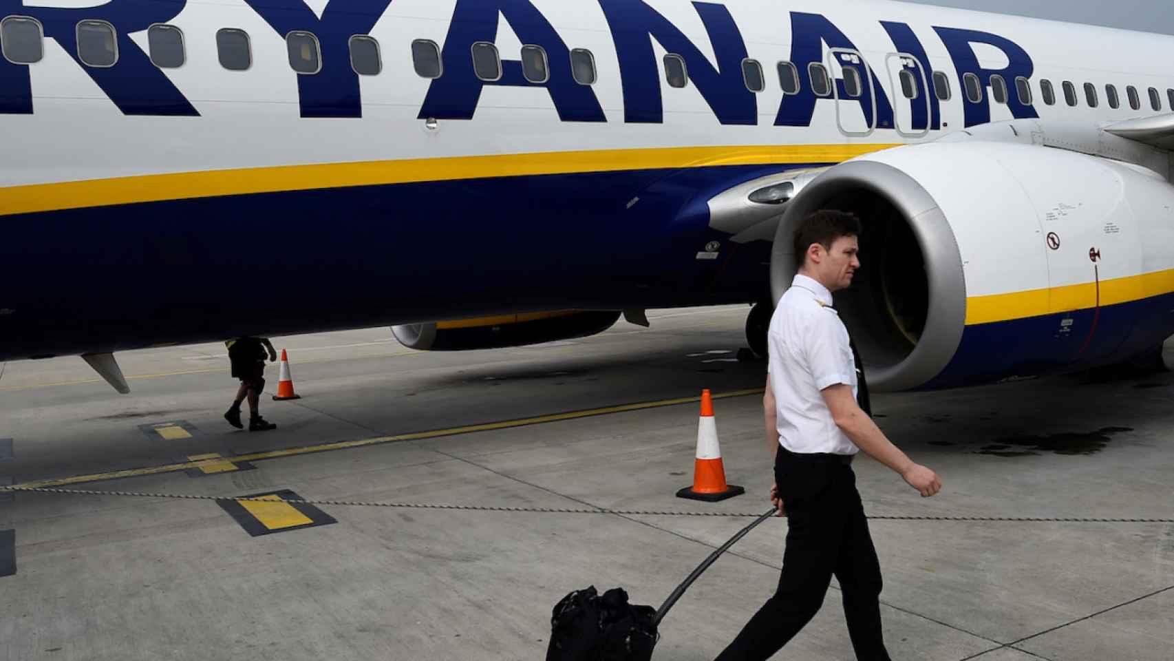 Un tripulante de cabina de Ryanair en una imagen de archivo.