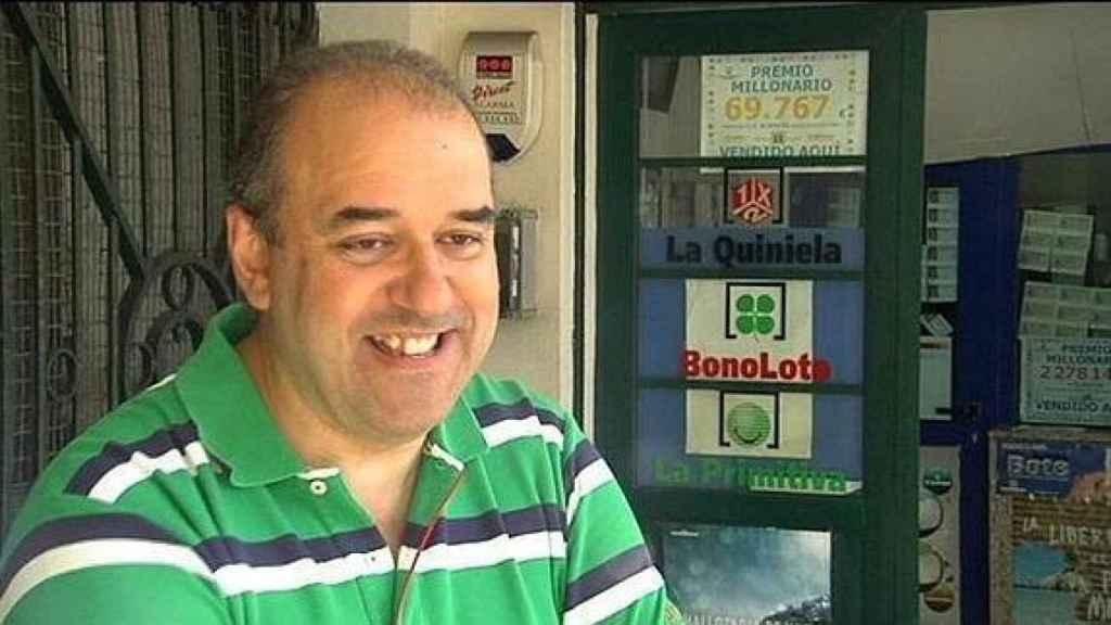 Manuel Reija, lotero de La Coruña que buscaba al propietario del boleto premiado.