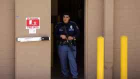 Un agente tras un tiroteo en Estados Unidos.