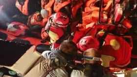 Migrantes rescatados en el Mediterráneo por el Open Arms.