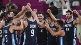 Argentina celebrando la victoria ante Puerto Rico.