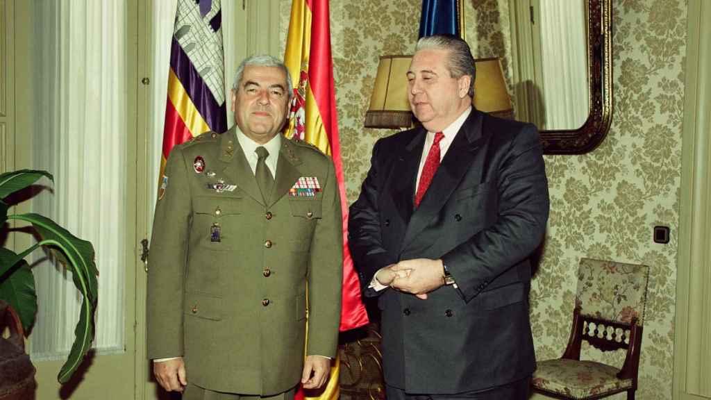 A la izquierda, Juan Yagüe y Martínez del Campo, Marqués de San Leonardo de Yagüe.