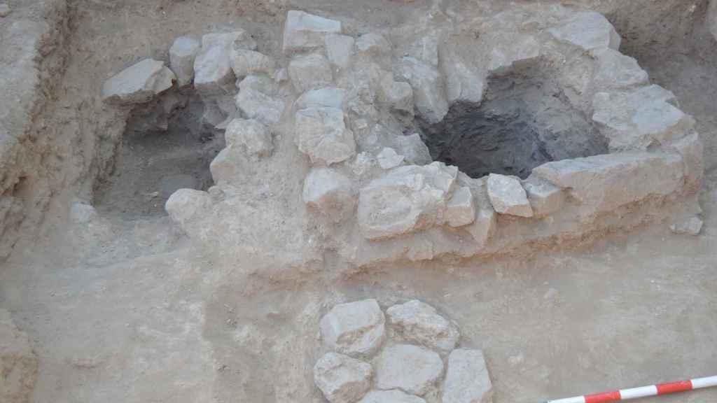 Uno de los 25 túmulos encontrados en el cerro de Alarcos.