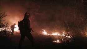 Foto incendio noche