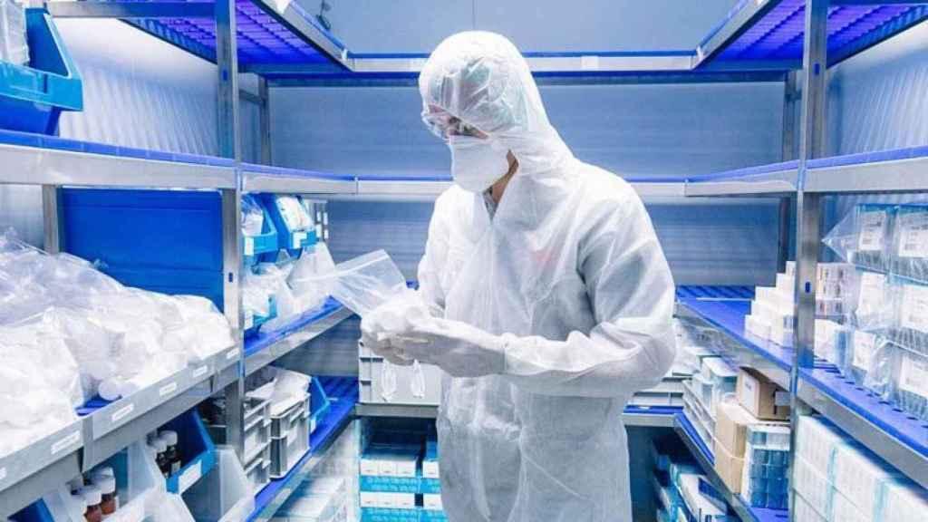 Un laboratorio de la farmacéutica Sanofi.
