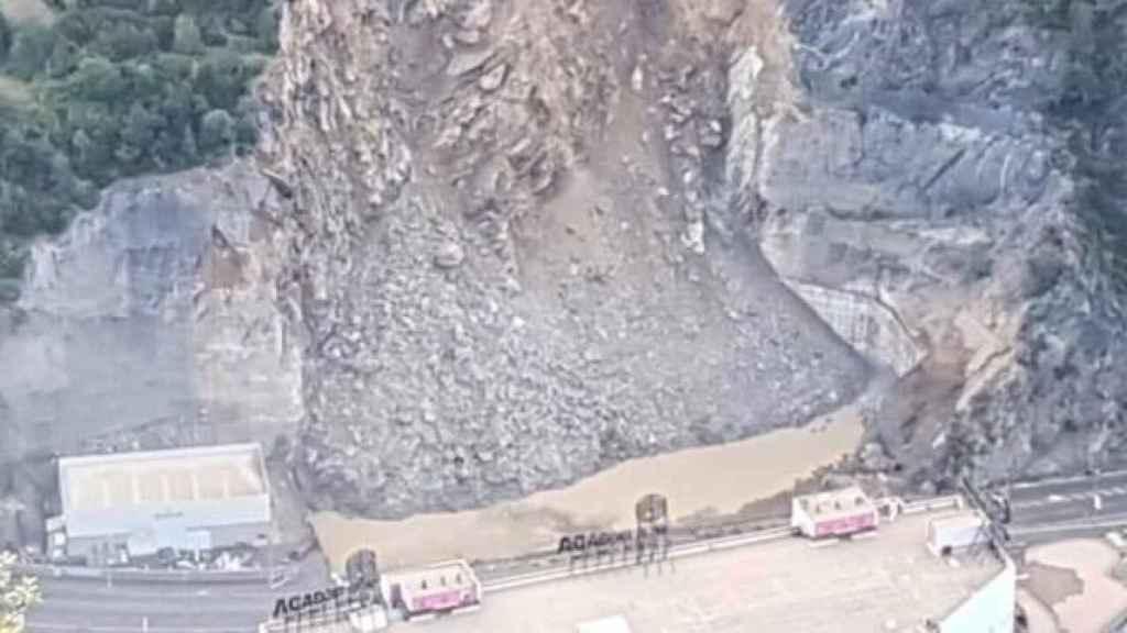 Imagen difundida por el Departamento de Movilidad de Andorra del desprendimiento .