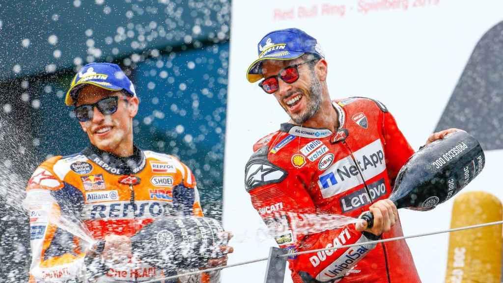 Dovizioso celebra tras ganar el Gran Premio de Austria