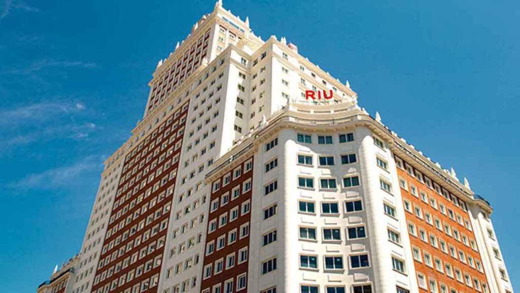 La fachada del hotel Riu Plaza España.