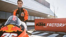 Dani Pedrosa en la fábrica de KTM