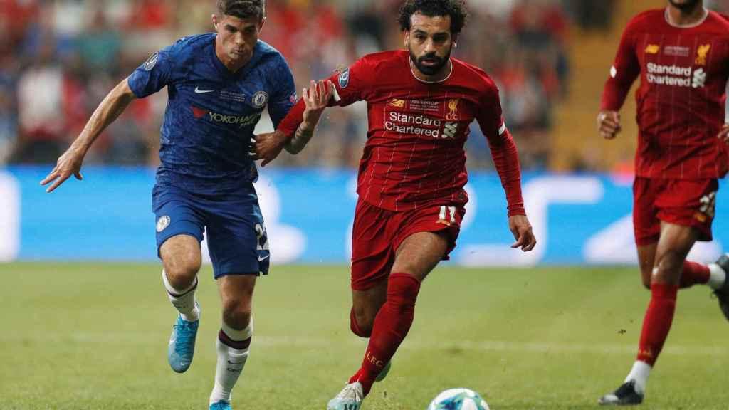 Pulisic y Salah, durante la Supercopa de Europa 2019 entre Liverpool y Chelsea