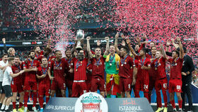 Fiesta del Liverpool en el Vodafone Park tras ganar la Supercopa de Europa 2019