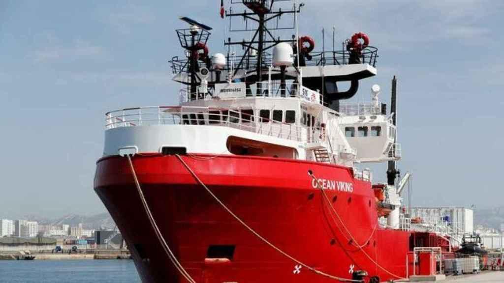 Imagen del barco 'Ocean Viking' en el puerto de Marsella.