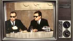 ¿Se acuerda de 'Caiga quien caiga', el programa que entregó sus gafas de sol al Rey Juan Carlos?