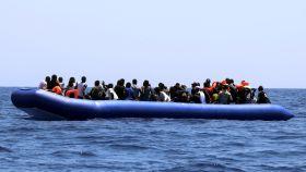 El Ocean Viking deja la zona de rescate y se acerca a aguas de Italia y Malta.