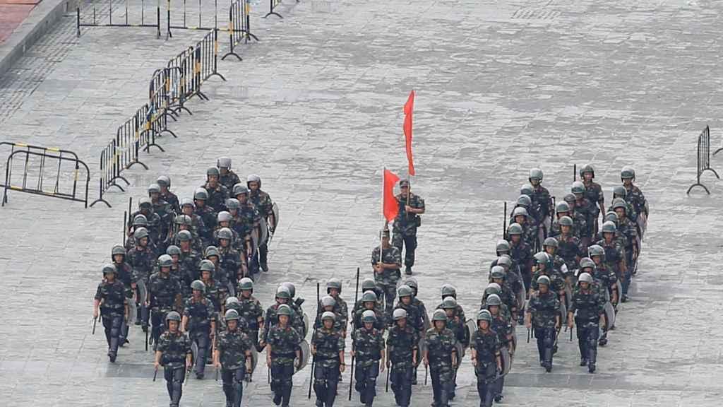 Tropas chinas concentradas en Shenzhen, cerca de Hong Kong.