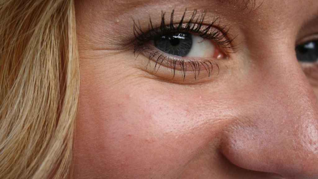 Certain day-to-day tricks can make wrinkles diminish.