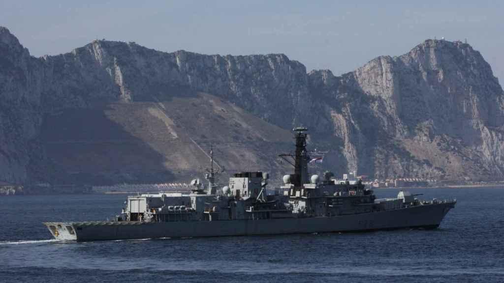 Dos buques de guerra británicos visitan Gibraltar.