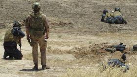 Militares españoles instruyen al personal iraquí.