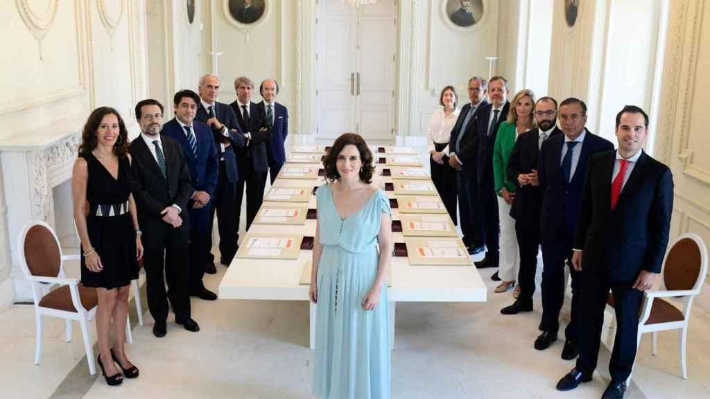 Ayuso, presidiendo la primera reunión del Gobierno de la Comunidad de Madrid.
