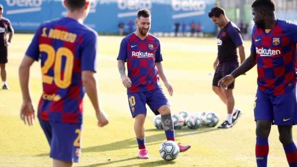 Messi, en un entrenamiento del Barcelona. Foto: Twitter (@FCBarcelona_es)