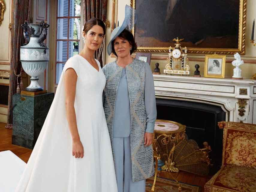 Sofía Palazuelo y Sofía Barroso, durante la boda de la joven.