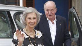 El rey Juan Carlos y la reina Sofía en Sanxenxo el pasado mes de julio.