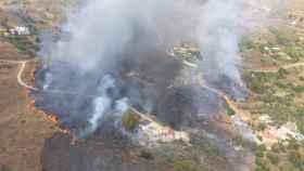 Vista panorámica de un incendio en la sierra de Mijas.