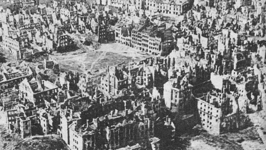 Perspectiva de Varsovia al final de la Segunda Guerra Mundial
