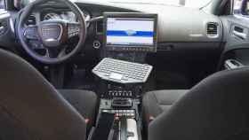 Este coche de policía usará un móvil como ordenador a bordo