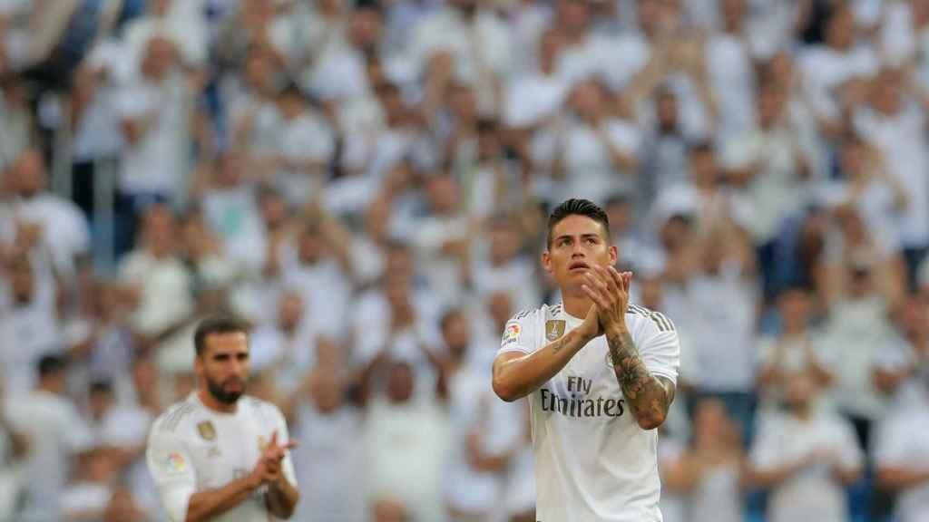 James Rodríguez, ovacionado por el Santiago Bernabéu