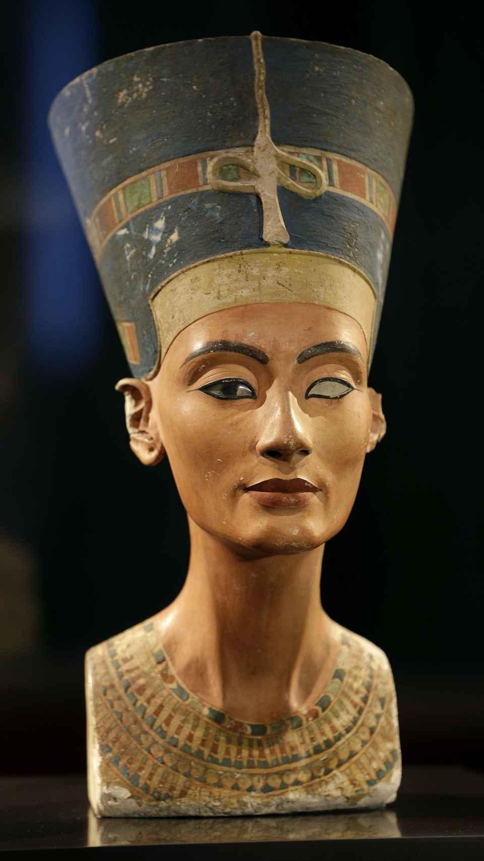 El maquillaje del antiguo Egipto se puede apreciar en el busto de Nefertiti.