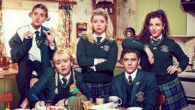 Fotograma de Derry Girls.