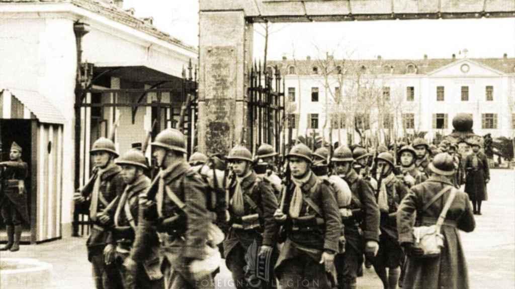 Legionarios parten hacia la campaña de Noruega.