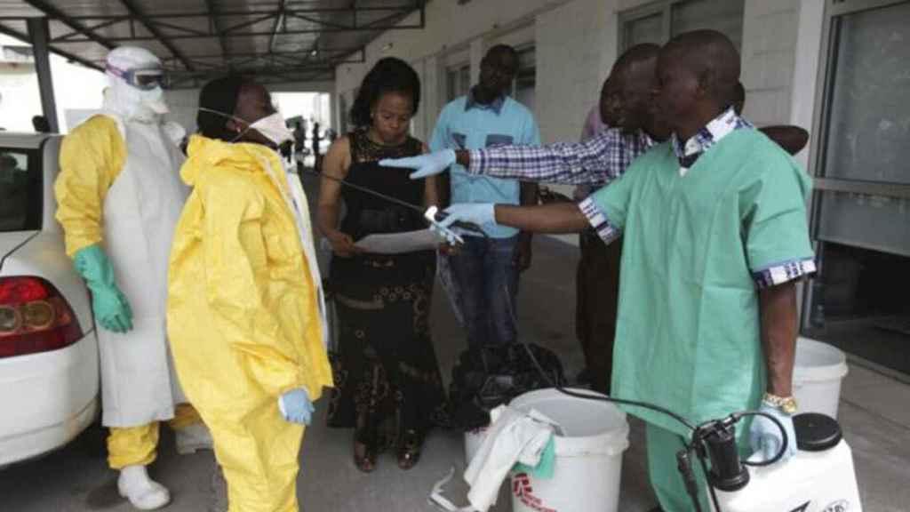 La OMS declara el brote de ébola en el Congo como emergencia internacional.