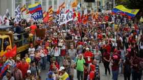 Marcha oficialista en las calles de Caracas para protestar contra la política de Trump.
