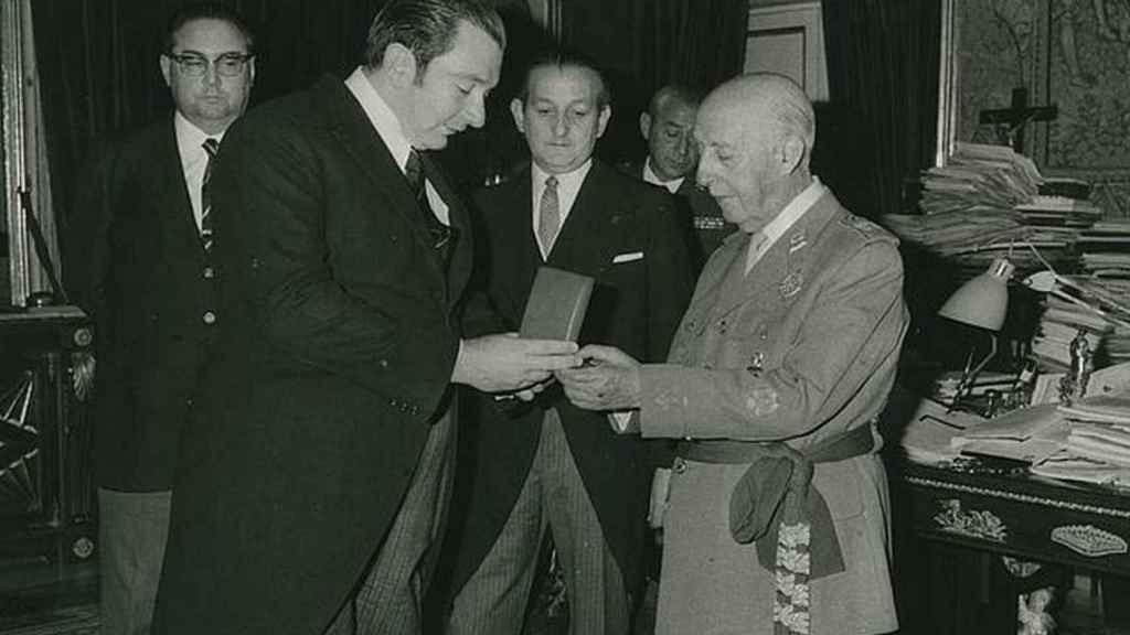 Los homenajes del FC Barcelona a Francisco Franco