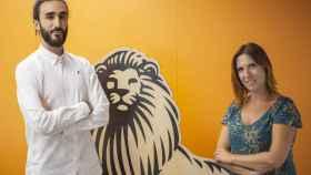 Daniel Muñoz, director de estrategia de EL ESPAÑOL y Verónica Milo, directora de producto.